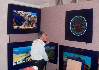 Artist Rod Friend with his pastels