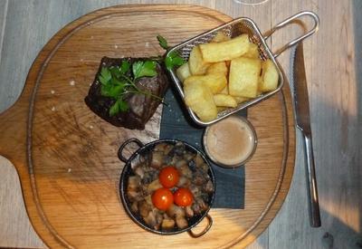 Boardwalk in Marbella's Fillet Steak with pepper sauce