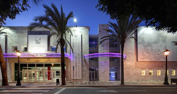 Puerto banus cinema cines teatro goya marbella - Cine goya puerto banus ...