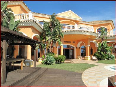 Another hugely luxurious villa