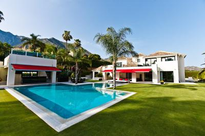 House rental with swimming pool and children