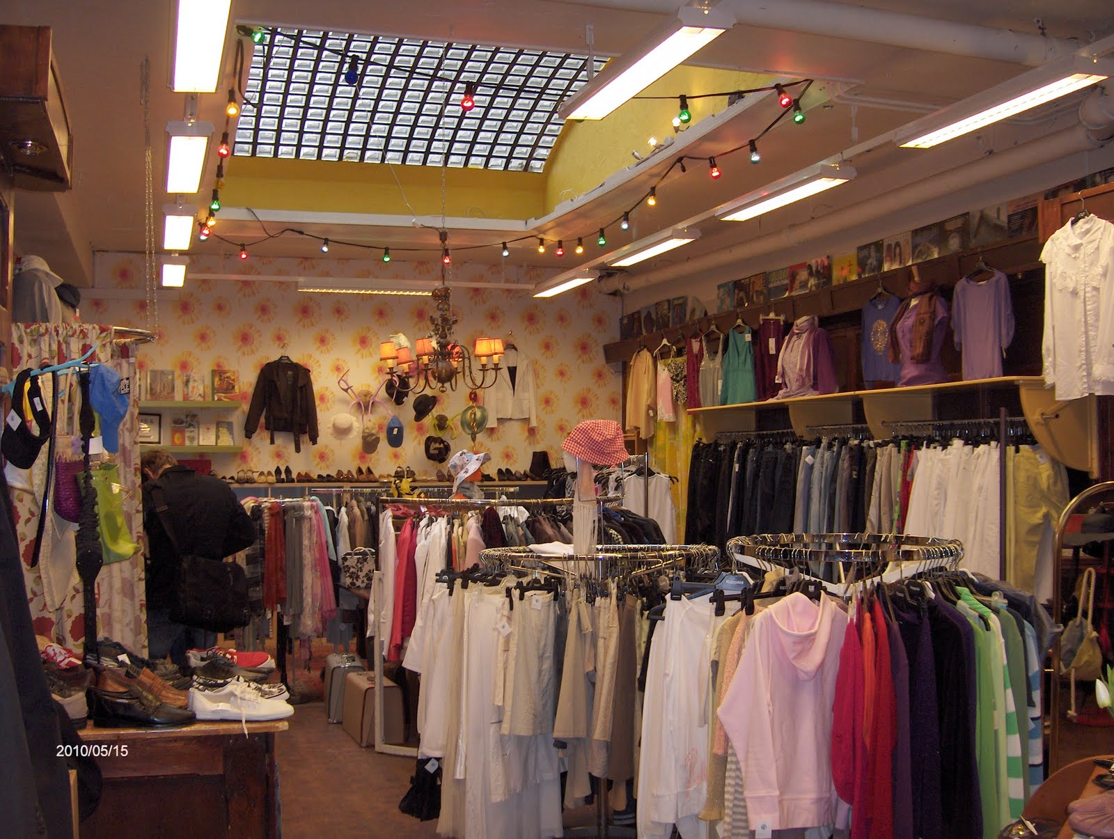 S Vintage Clothing Stores