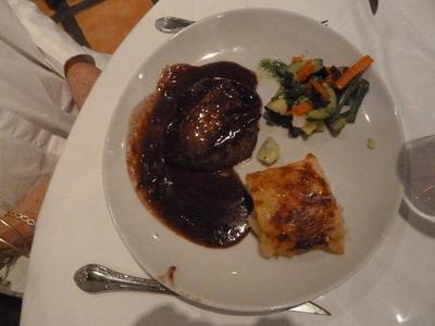 The swimming Rossini Steaks