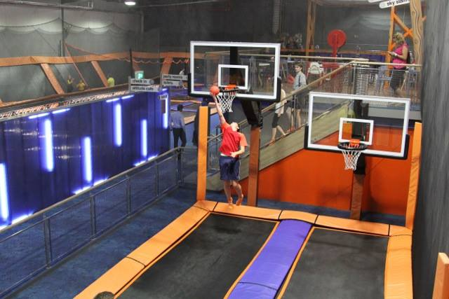 Costa Jump is one of the first indoor trampoline parks in southern Spain. It's arrival brings with it a massive indoor arena filled wall to wall with trampolines.