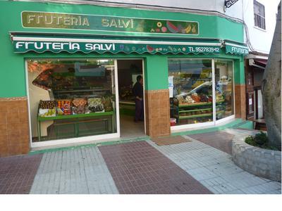 The approach to Fruteria Salvi