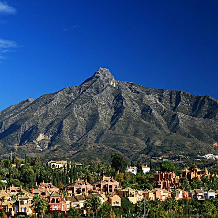 MARBELLA MOUNTAIN & SNOW