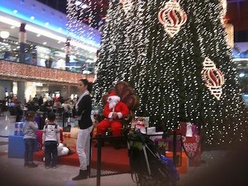 Santa at La Canada