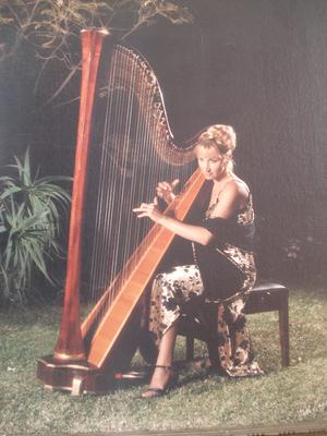 Anna with her harp