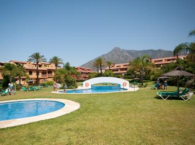 V012 - 3 bed townhouse, Golden Mile, Marbella