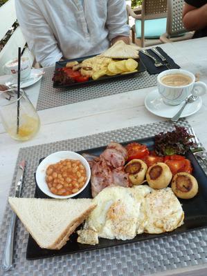 Breakfast at Tanino's