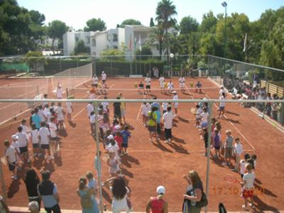 Childrens tennis training is great fun and great exercise