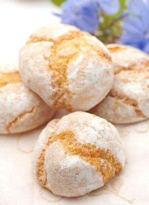 Amaretti biscuits in Marbella