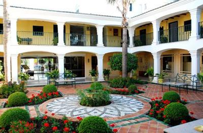 Los Monteros Garden